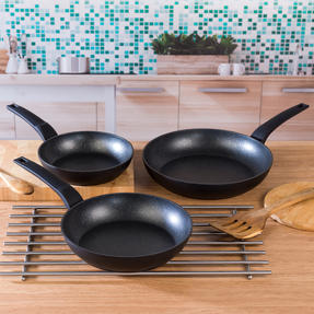 3-Piece Marble Gold Non-Stick Fry Pan Set Thumbnail 3