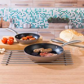 Salter COMBO-5386 Forged Aluminium Metallic Non-Stick Frying Pan Set, 20/28 cm, Champagne, 2 Piece Thumbnail 2