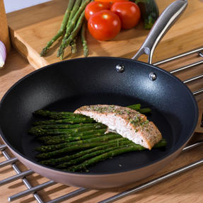 Salter COMBO-5387 Forged Aluminium Metallic Non-Stick Frying Pan and Stir Fry Pan Set, 28 cm, Champagne, 2 Piece Thumbnail 5