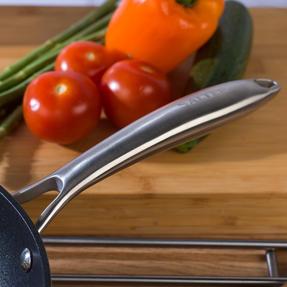 Salter COMBO-5387 Forged Aluminium Metallic Non-Stick Frying Pan and Stir Fry Pan Set, 28 cm, Champagne, 2 Piece Thumbnail 7