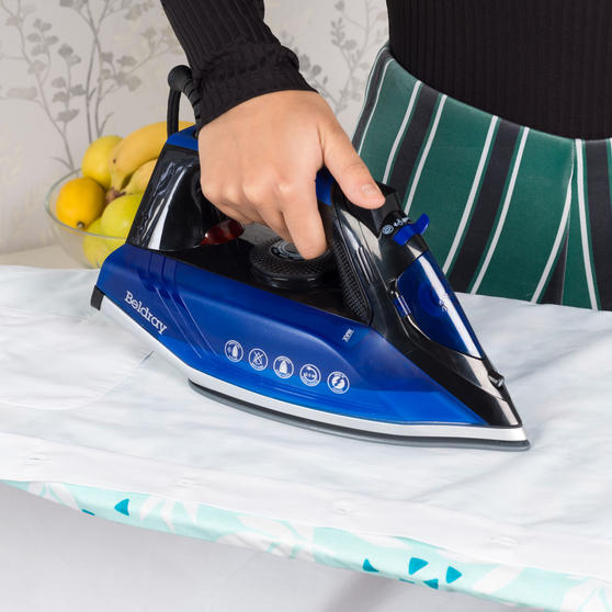 Beldray Easy-Fill Iron with 200ml Water Tank, 2400 W, 2.5 Power Cord Main Image 7