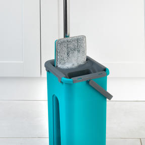 Beldray® LA067234EU Duplex Flat Head Mop and Bucket Set | Built-In Wringer & Dirt-Removing Scraper | Turquoise/Grey Thumbnail 9