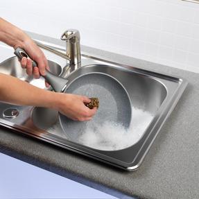 Kleeneze® KL072177EU Antibacterial Brass Scourers | Ideal for Pots, Pans and Utensils | 3 Pack Thumbnail 2