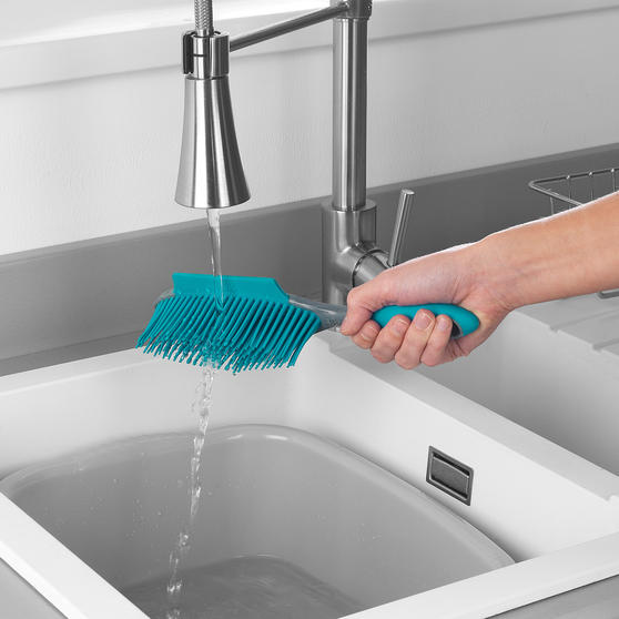 Beldray®  Pet Plus+ Rubber Dustpan with Brush  Thumbnail 8