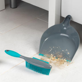 Beldray® LA069351EU Pet Plus+ Rubber Dustpan with Brush Set | Compact Design | Grey/Turquoise Thumbnail 4