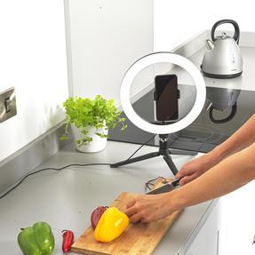 Intempo® EE5977BLKSTKEU7 Sync Desktop Selfie Light Ring Stand with Phone Holder   26 cm   3 Light Modes   USB Powered Thumbnail 4