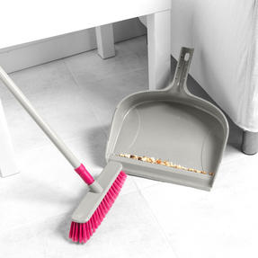 Kleeneze KL075857EU7 Telescopic Dustpan with Broom Set | 120cm Extendable Broom Handle  | Large Capacity Dustpan | Grey/Pink Thumbnail 2