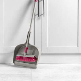 Kleeneze KL075857EU7 Telescopic Dustpan with Broom Set | 120cm Extendable Broom Handle  | Large Capacity Dustpan | Grey/Pink Thumbnail 7