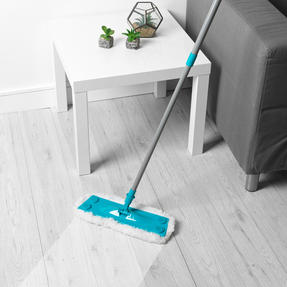 Beldray® LA079411EU7 3 in 1 Multifunctional Flat Head Mop | 3 Interchangeable Cleaning Pads | Extendable Handle | Fluffy/Scrubbing/Microfibre Pads | Perfect for Hard Floors Thumbnail 3
