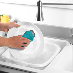 Beldray® LA077882EU7 Flexible Silicone Cleaning Pad | Compact Design | Suitable for Tableware, Pots and Pans, Glassware and More | Rinse and Re-Use Thumbnail 2