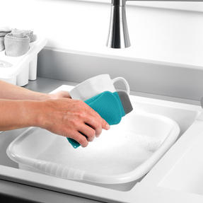 Beldray® LA077882EU7 Flexible Silicone Cleaning Pad | Compact Design | Suitable for Tableware, Pots and Pans, Glassware and More | Rinse and Re-Use Thumbnail 5