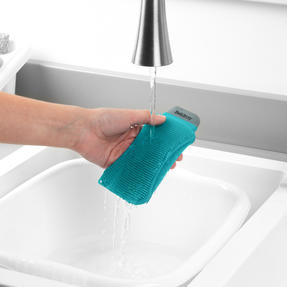 Beldray® LA077882EU7 Flexible Silicone Cleaning Pad | Compact Design | Suitable for Tableware, Pots and Pans, Glassware and More | Rinse and Re-Use Thumbnail 6