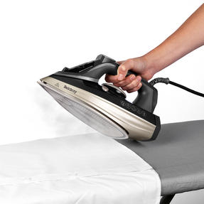 Beldray® BEL0820PL Ultra Ceramic Steam Iron with Dual Soleplate Technology, 3100 W, 300 ml, Platinum Edition Thumbnail 4