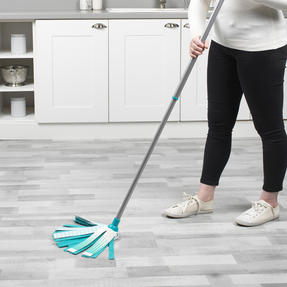 Beldray® LA076571EU7 Triple Action Microfibre Mop with Telescopic Handle | Ideal for Tile, Laminate and Wood Flooring | Non-Scratch Thumbnail 8