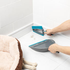 Beldray® LA081278EU7 Pet Plus+ 2 In 1 Lift & Trap Dual Rubber Head Dustpan And Brush with Squeegee Edge, Turquoise/Grey Thumbnail 5