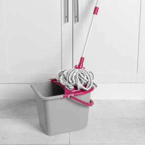 Kleeneze® KL077479UFEU7 AntiBac Telescopic Microfibre Mop With Replacement Mop Head| Treated with Anti-Bac Protection | Extendable Handle 128cm | Highly Absorbent Thumbnail 6