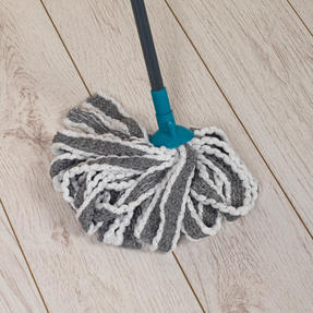 Beldray® LA049179UFEUB AntiBac Telescopic Cloth Mop With Replacement Mop Head| Treated with Anti-Bac Protection | 128cm Extendable Handle | Super Absorbent Thumbnail 5