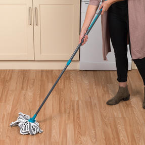 Beldray® LA049179UFEUB AntiBac Telescopic Cloth Mop With Replacement Mop Head| Treated with Anti-Bac Protection | 128cm Extendable Handle | Super Absorbent Thumbnail 8