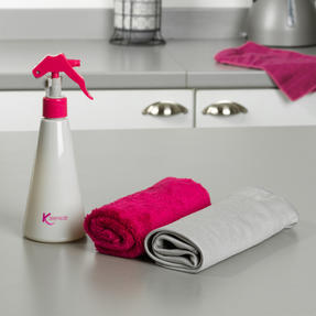 Kleeneze® KL081896EU7 Spray Bottle with Two Deluxe Cloths | Easy-to-Fill | Great for Cleaning Kitchens, Bathrooms, Mirrors and Windows | 250 ml Thumbnail 7