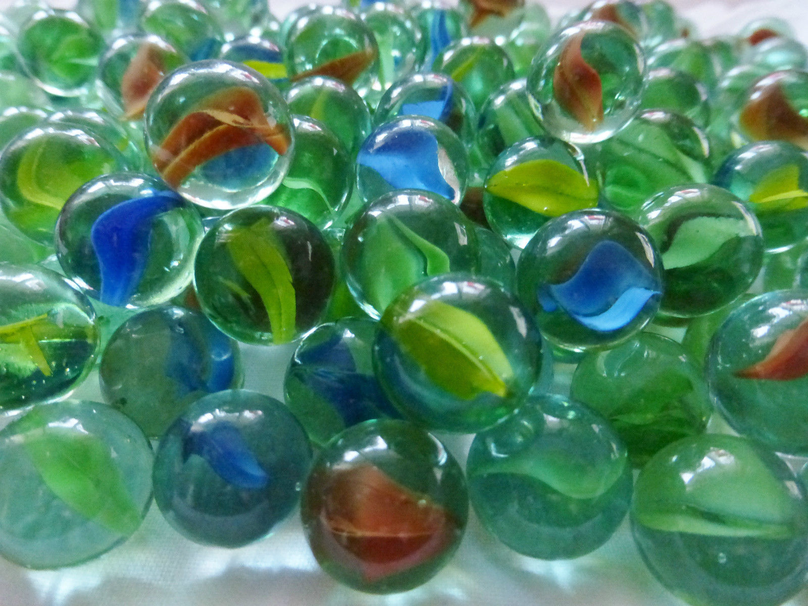 Glass Marbles Game : Hi quality sharp colour glass marbles traditional