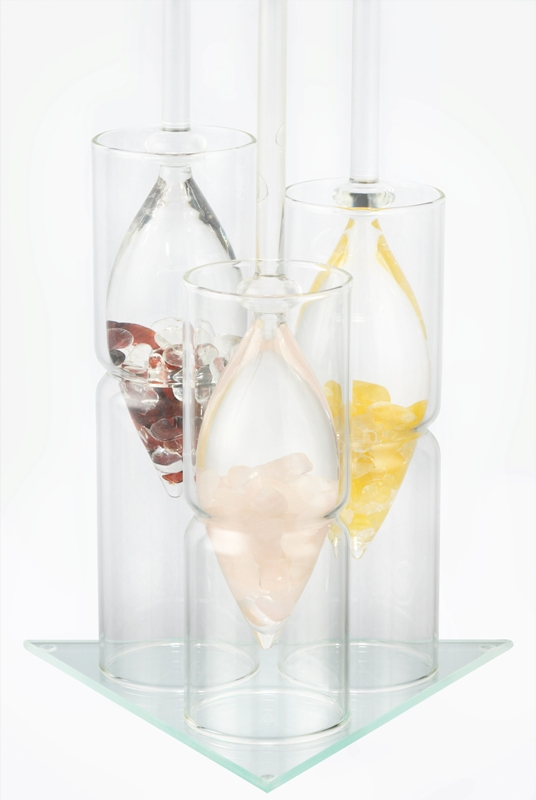VitaJuwel Vial glass stand only holds up to 3 vials