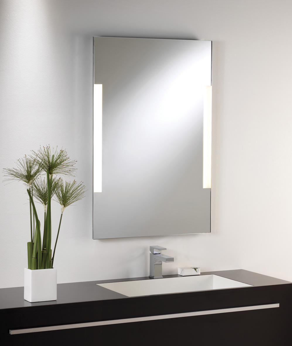 Astro Imola 800 0406 illuminated mirror with pull cord 2 x 14W T5 Thumbnail 2