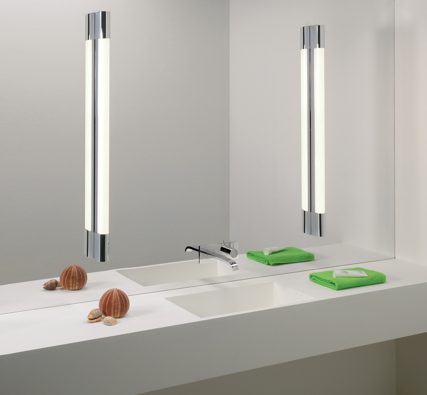 Bathroom Mirror Lights 900 X 600 astro palermo 600 0780 bathroom wall light.1 x 14w t5. ip44 chrome