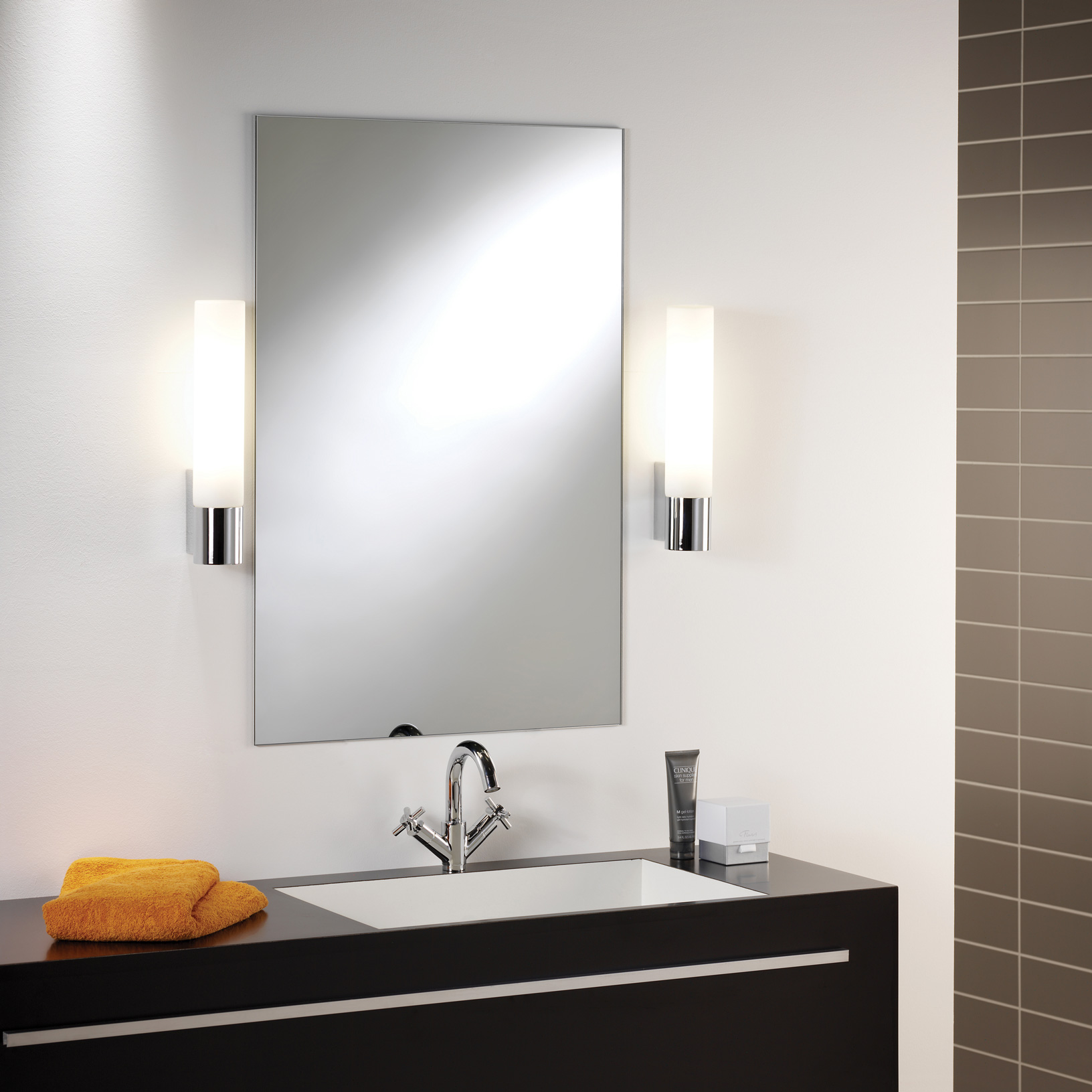 ASTRO Kyoto 260 0386 bathroom wall light 1 x 11W 2G7 lamp IP44 polished chrome Thumbnail 2