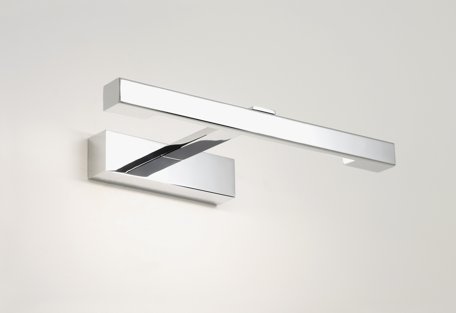 ASTRO Kashima 0814 bathroom wall mirror light 8W T5 IP44 Polished chrome Thumbnail 1