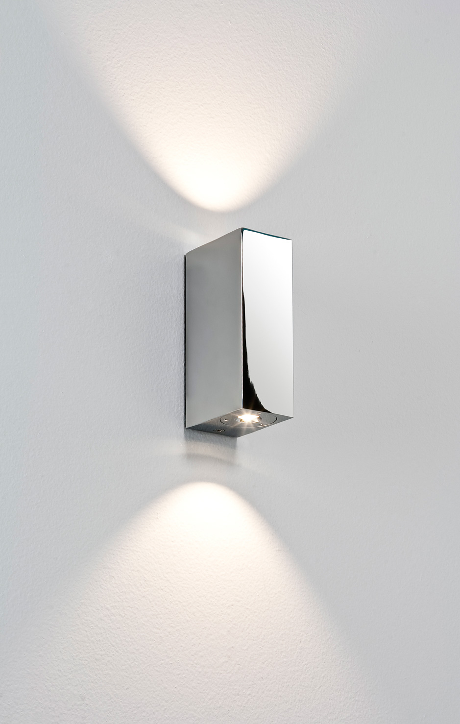 Astro Bloc Ip44 Bathroom Led Up Down Wall Light 3 4w 3000k Warmwhite Chrome Liminaires