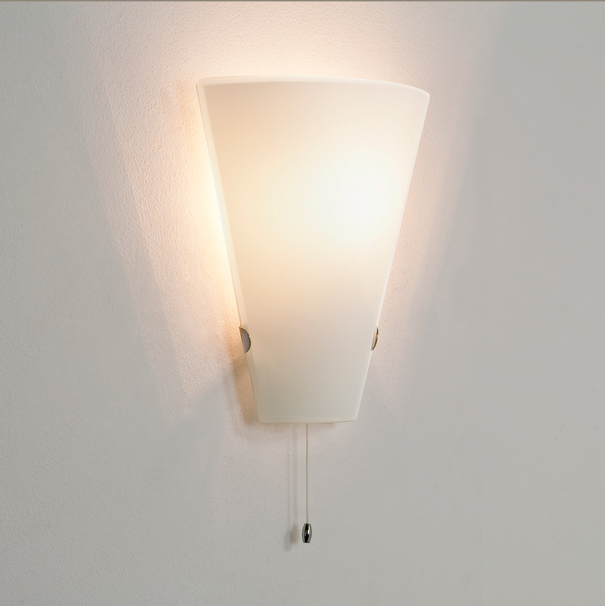 White Dimmable Wall Lights : Astro Taper 0248 dimmable pull cord switch wall light 60W E14 lamp IP20 glass Liminaires