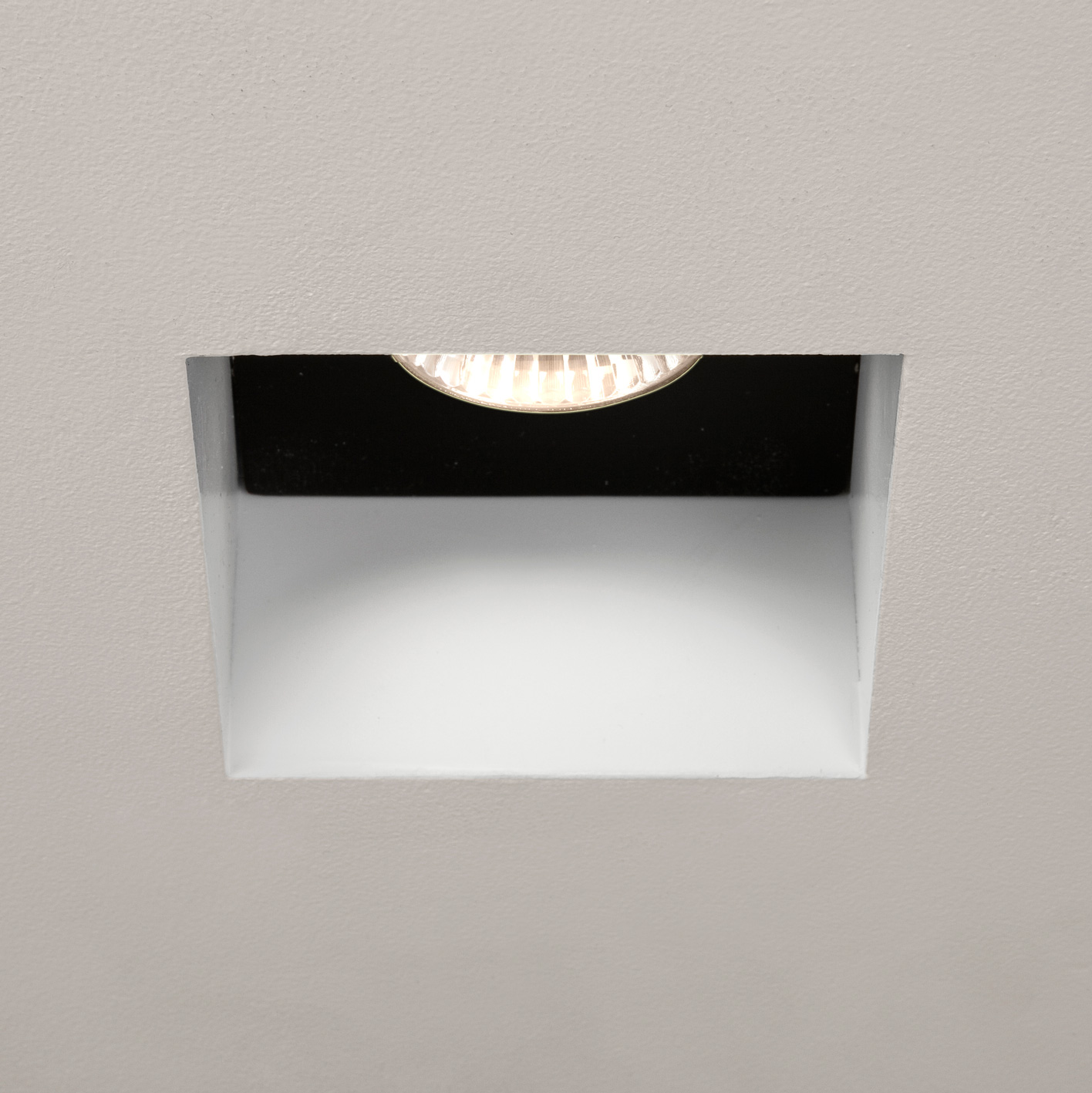 Astro Trimless square 5670 240V fire rated bathroom downlight 50W GU10 IP65 Thumbnail 1