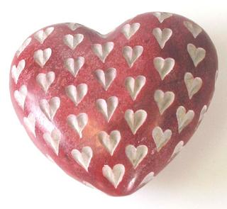 Stone The Crows Medium Sized Red Heart Hand Made Decoration Stone Thumbnail 1