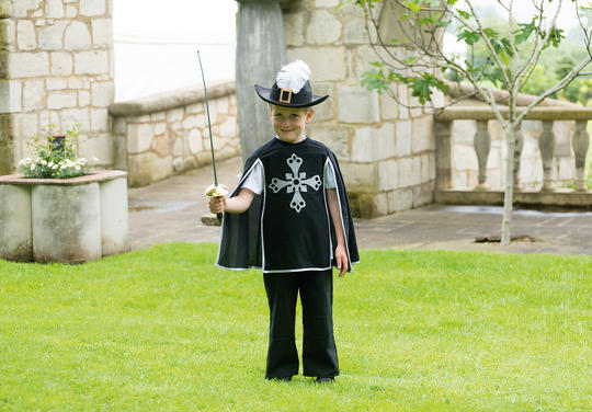 Boys Musketeer Fancy Dress Costume  Thumbnail 2