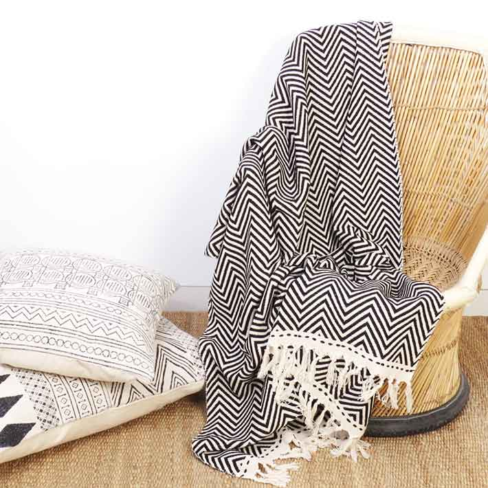Black White Zig Zag Chevron Lightweight Throw Textured Blanket With