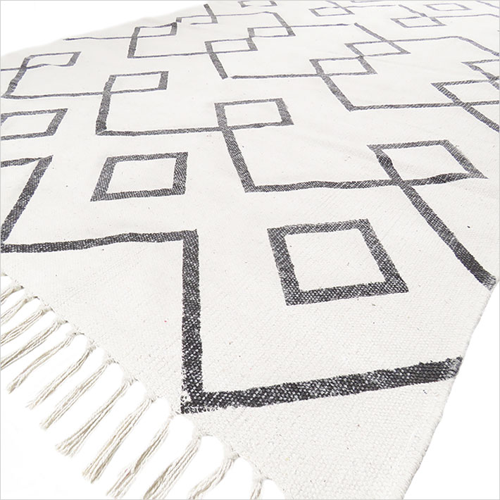 Black White Cotton Block Print Area Accent Dhurrie Rug Flat Woven Rug - 4 X 6 ft