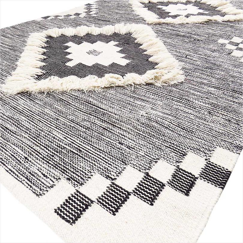 Black & White Woven Tufted Wool Embroidered Fringe Area Accent Rug Boho Style Bohemian - 4 X 6 ft