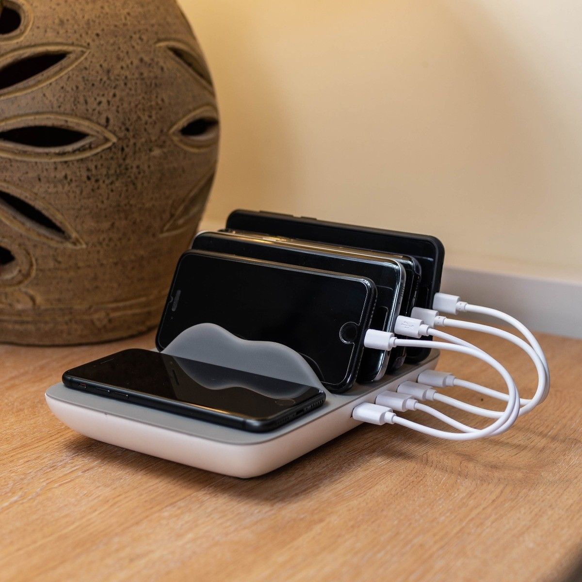 Beyond Multi Device Charging Station Wireless Pad 4 Fast Charge USB 6 FREE Cable