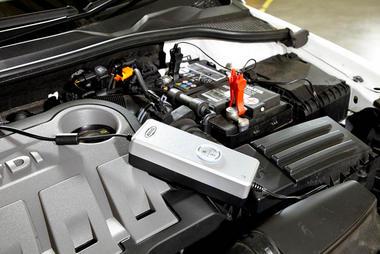 Ring Automotive RSC604 12V 230V AC Car Van Motorbike Smart Battery Charger Single Thumbnail 4