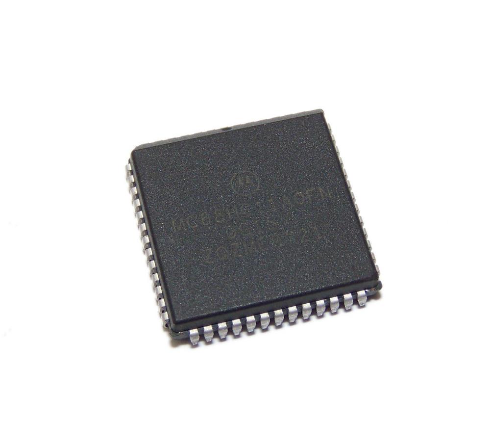 Motorola MC68HC11A0FN 52-pin Plastic PLCC Microcontroller Thumbnail 1