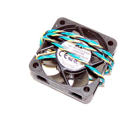 Fujitsu V26815-B116-V71 Esprimo E420 SFF 40mm x 15mm 12VDC 0.12A | Delta AFB0512 Thumbnail 1
