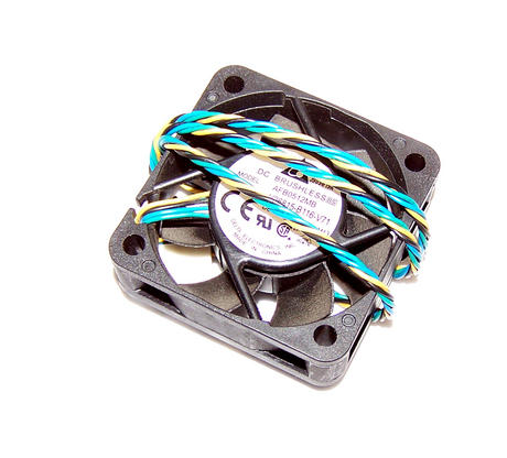 Fujitsu V26815-B116-V71 Esprimo E420 SFF 40mm x 15mm 12VDC 0.12A   Delta AFB0512