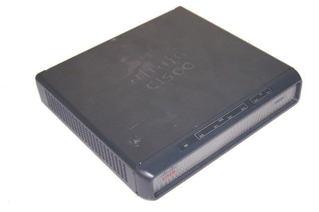 Cisco VG204 Series Analog Voice Gateway with AC Adapter
