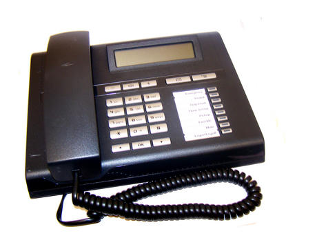 Siemens L30250-F600-C177 OpenStage 15 SIP Lava Phone