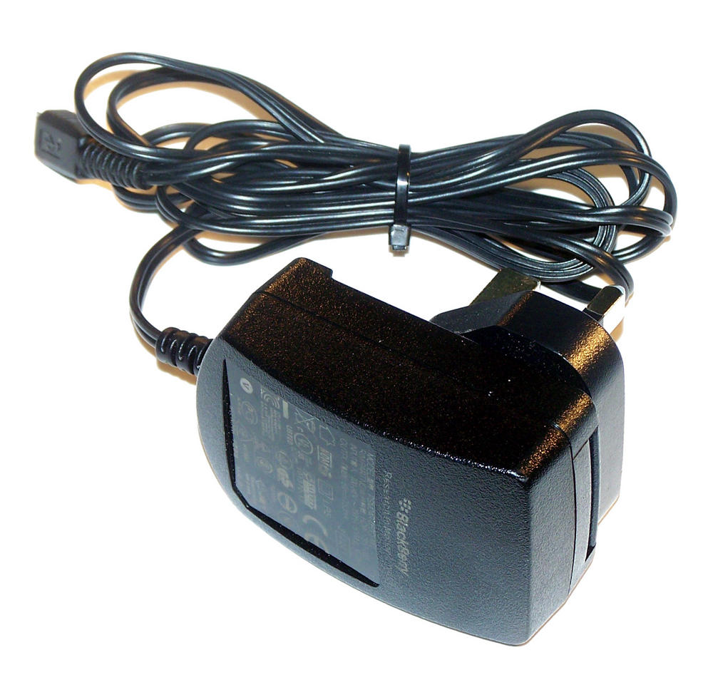 RIM HDW-17957-003 UK 5VDC 750mA Micro USB Charger | PSM04R-050CHW2 Thumbnail 1