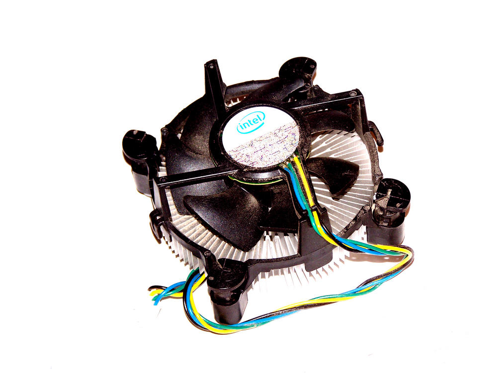 Intel E97375-001 Socket T LGA775 CPU Heatsink and Fan | 4-Pin 12VDC 0.20A