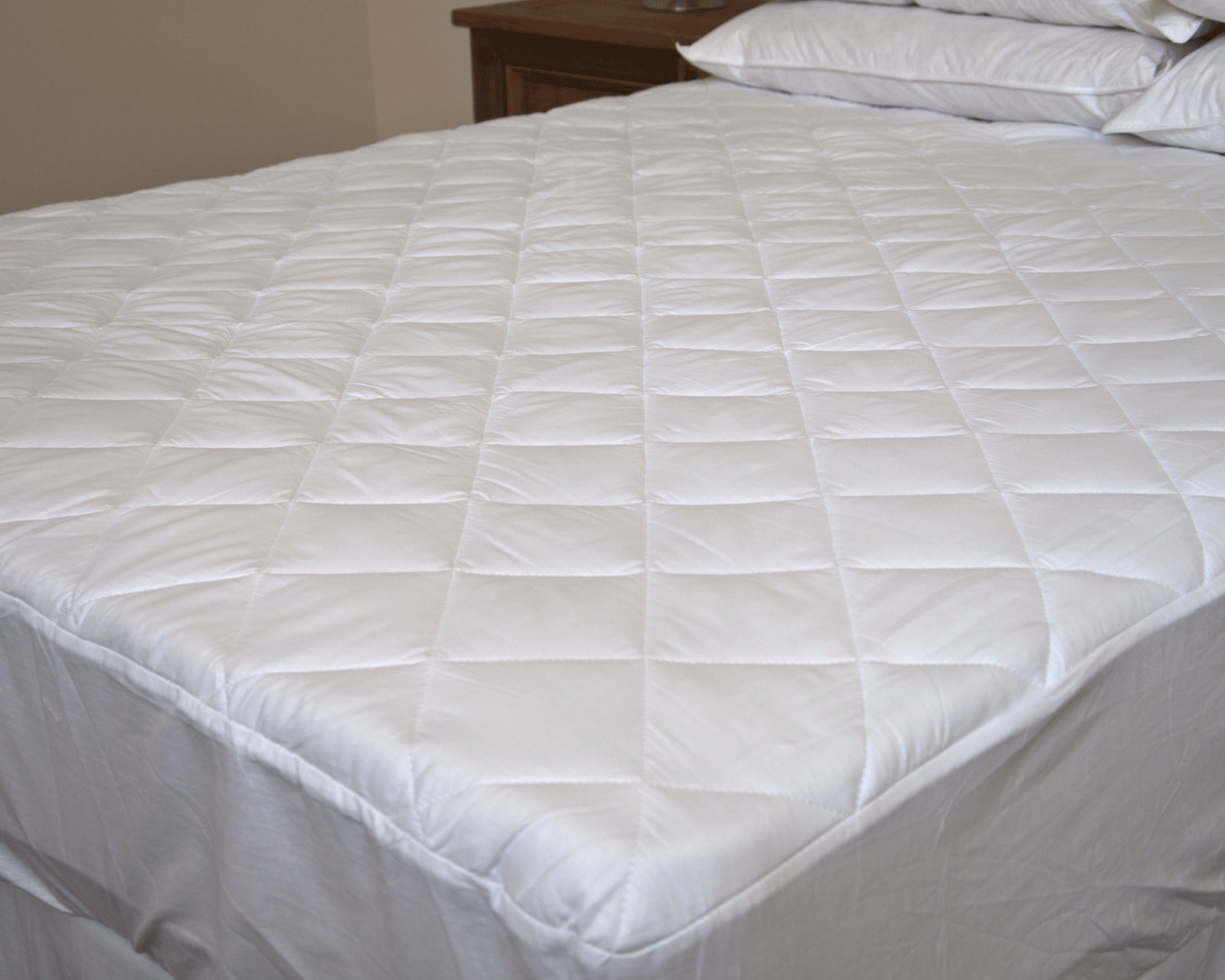 Premium Egyptian Cotton Quilted Fitted Mattress Protector