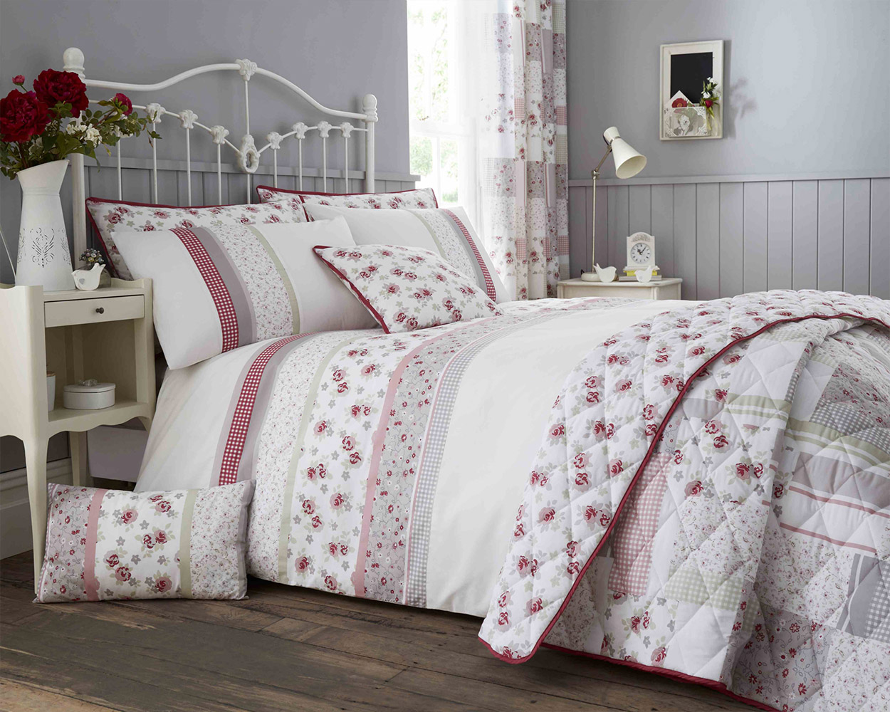 Cotton Rich Garden Flower Design Duvet Set and Bedding Range in Pink / Grey