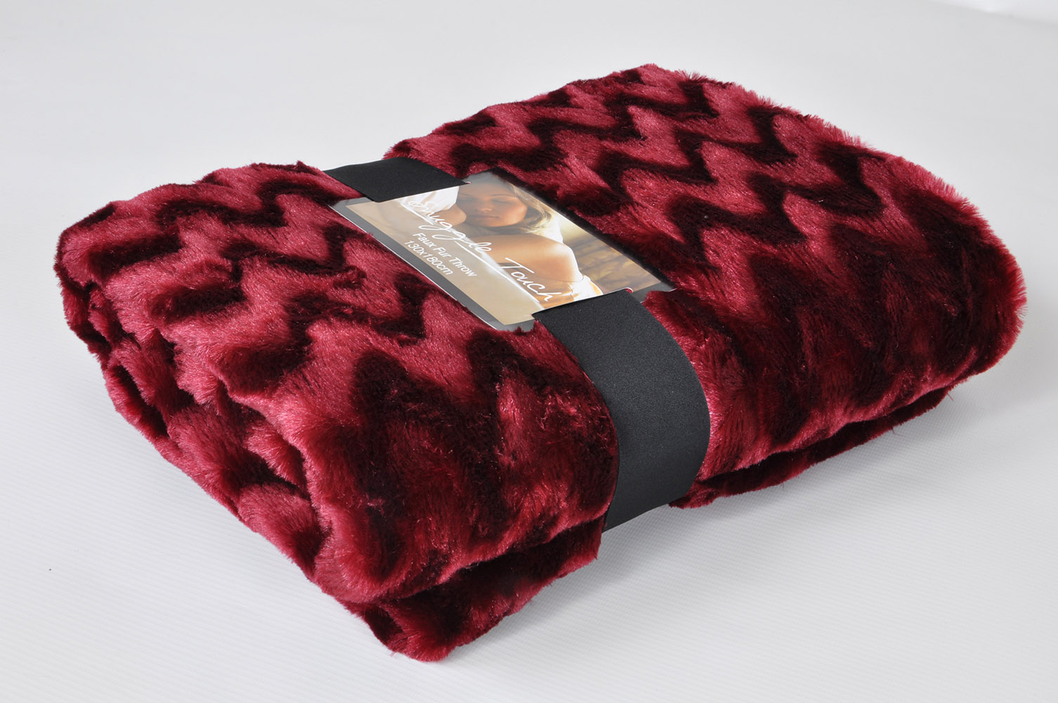 Luxury Snuggle Up Super Soft Faux Fur Throw Blanket In
