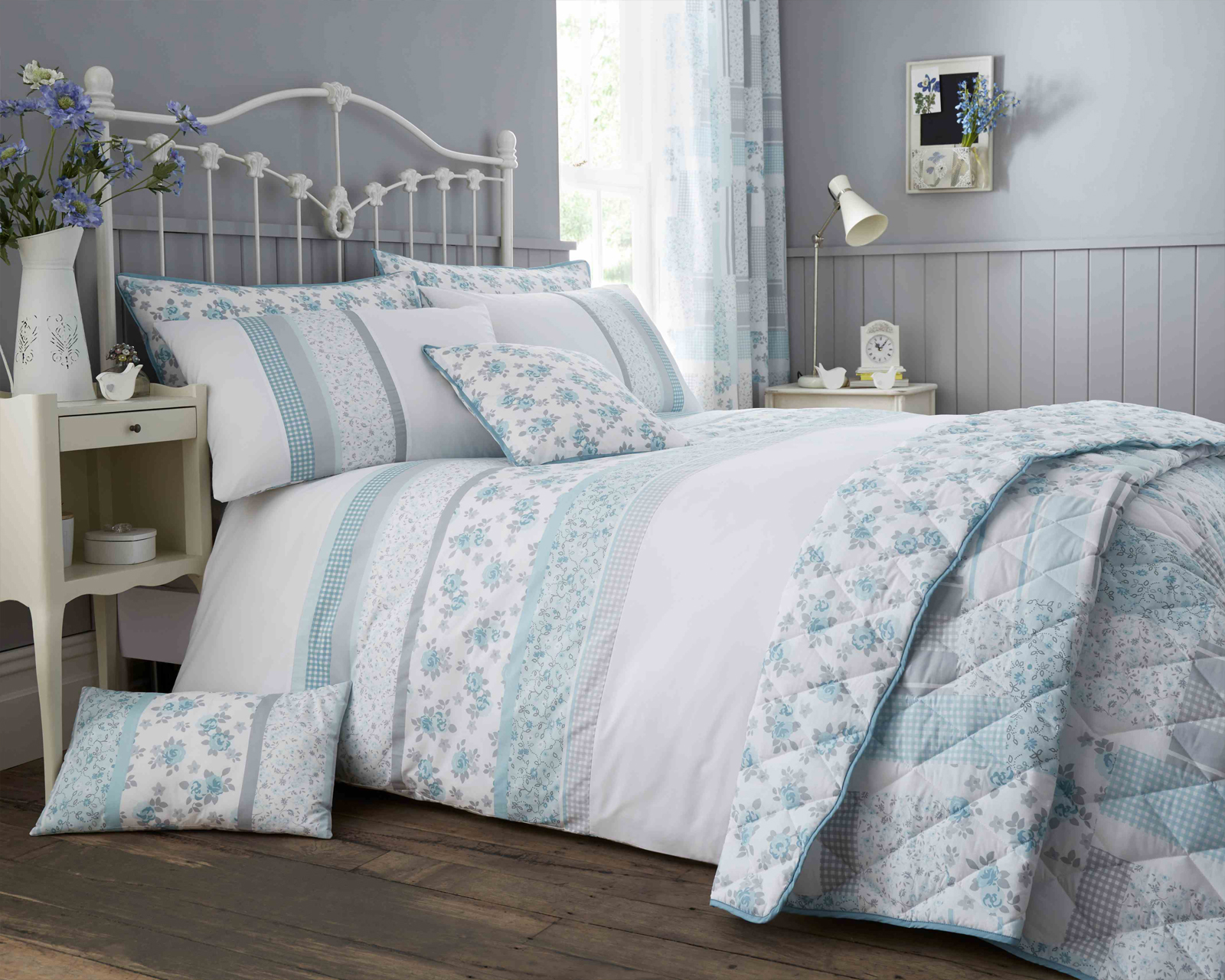 Garden Floral Duck Egg Blue Print Luxury Duvet